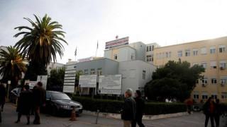 Νοσοκομείο Νίκαιας: «Έπεσε το ταβάνι» και τραυμάτισε τη μητέρα ασθενούς (pics)