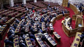 Αντιδράσεις για την πρωτοβουλία Κακλαμάνη να τηρήσει ενός λεπτού σιγή η Βουλή για τον Κατσίφα