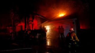 Νεκροί και τραυματίες από τις πυρκαγιές στην Καλιφόρνια