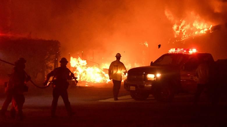 Φωτιά Καλιφόρνια: Νεκροί, τραυματίες, αγνοούμενοι και χιλιάδες σπίτια καμένα