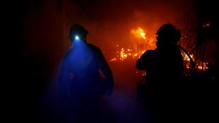 Πύρινη κόλαση στην Καλιφόρνια: Ανέβηκε ο αριθμός των νεκρών, απειλείται και το Μαλιμπού