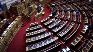 Αρθροσκοπήσεις: Περαιτέρω διερεύνηση των ευθυνών δύο πρώην υπουργών ζητά το πόρισμα του ΣΥΡΙΖΑ