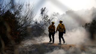 Καλιφόρνια: Η πύρινη λαίλαπα συνεχίζει για πέμπτη μέρα το καταστροφικό της έργο