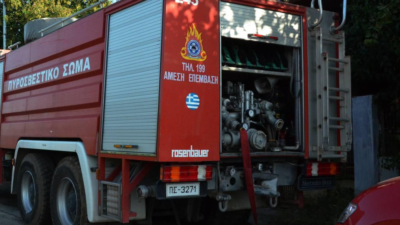 Χαλκίδα: Μεγάλη φωτιά σε αποθήκη ρούχων