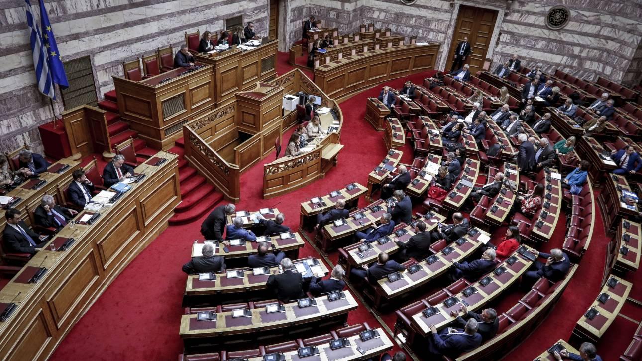 Πρόκληση της Χρυσής Αυγής παραμονές Πολυτεχνείου: Ο μόνος εκλεγμένος Πρόεδρος ήταν ο Παπαδόπουλος