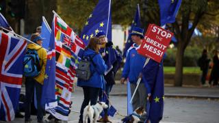 Σε εξέλιξη η κρίσιμη συνεδρίαση για το Brexit