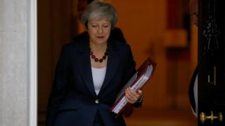 Brexit ώρα μηδέν: Αναμένεται σύντομη δήλωση της Μέι μετά το υπουργικό