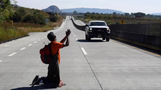 Μεξικό: Οι πρώτες αφίξεις του καραβανιού των μεταναστών στα σύνορα με τις ΗΠΑ