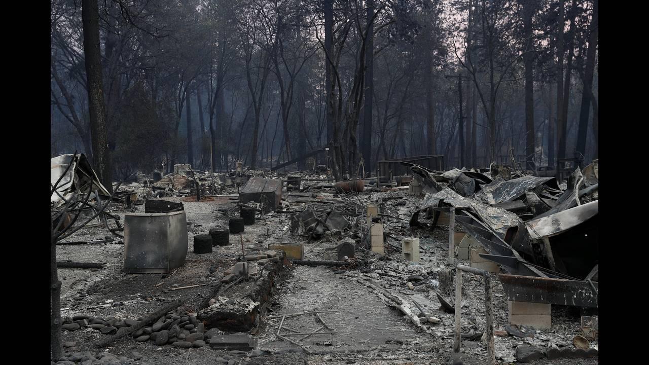 https://cdn.cnngreece.gr/media/news/2018/11/15/154693/photos/snapshot/2018-11-12T012639Z_744320141_RC13AA4B25A0_RTRMADP_3_CALIFORNIA-WILDFIRES.JPG