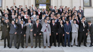 Sieg Heil! Έρευνα & οργή για το ναζιστικό χαιρετισμό 60 μαθητών στις ΗΠΑ
