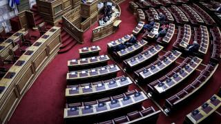 Ενός λεπτού σιγή στη μνήμη των θυμάτων της Μάνδρας τήρησε η Βουλή