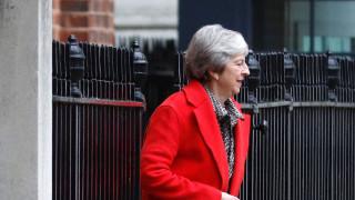 Βρετανία: Υπολείπονται έξι επιστολές για να προχωρήσει η πρόταση μομφής κατά της Μέι