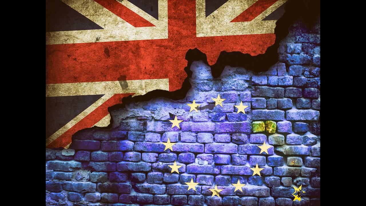 https://cdn.cnngreece.gr/media/news/2018/11/19/155205/photos/snapshot/brexit-1491370_1920.jpg