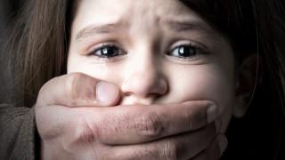 Παγκόσμια Ημέρα ενάντια στην Κακοποίηση των Παιδιών: η Ελλάδα πληγώνει τα παιδιά της