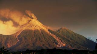 Γουατεμάλα: Χιλιάδες άνθρωποι έφυγαν από τα σπίτια τους λόγω της έκρηξης του ηφαιστείου Φουέγο