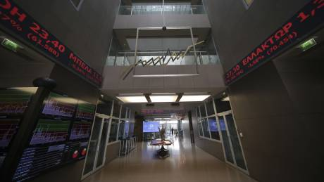 Σε κλοιό πιέσεων το Χρηματιστήριο: Υποχωρεί για πέμπτη συνεχή συνεδρίαση
