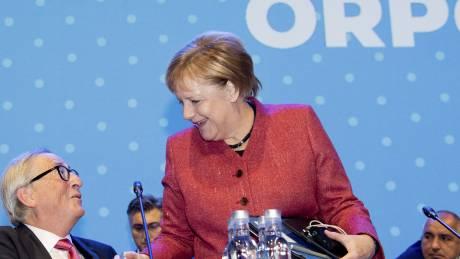 Η Αντιτρομοκρατική συνέλαβε 60χρονη για το δέμα - βόμβα στην Μέρκελ