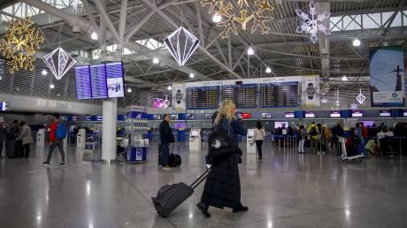 Στη Βουλή η ευρωπαϊκή οδηγία για το «φακέλωμα» επιβατών που ταξιδεύουν αεροπορικώς