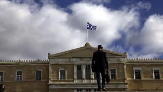 Νέα δημοσκόπηση: Οκτώ στους δέκα Έλληνες δυσαρεστημένοι από κυβέρνηση και αντιπολίτευση