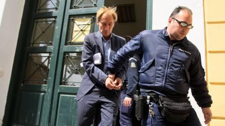 Ζαν Κλοντ Όσβαλντ: Ποιος είναι ο τραπεζίτης που έσπασε το βραχιολάκι και δραπέτευσε