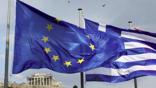 Εύσημα, αλλά και προειδοποιήσεις από την Ευρωπαϊκή Επιτροπή προς την Ελλάδα