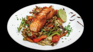 Ο σεφ του Ελιζέ, κήρυκας της γαλλικής κουζίνας και του υγιεινού φαγητού