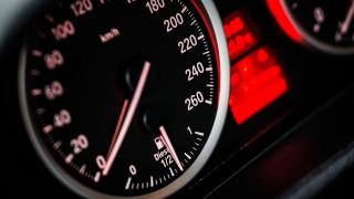 Πώς ένας νεαρός οδηγός στη Γερμανία έχασε το δίπλωμα οδήγησής του μέσα σε 49 λεπτά