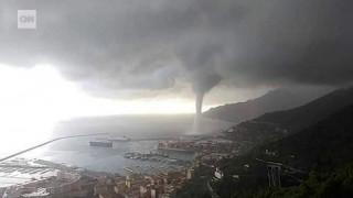 Πελώριος υδροστρόβιλος στην Ιταλία
