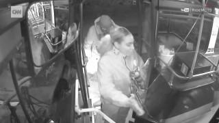 Η δύναμη της αλληλεγγύης: Οδηγός λεωφορείου βοηθά έναν άστεγο άνδρα