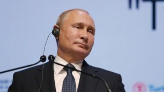 Την παραγωγή «έξυπνων» και υψηλής ακρίβειας πυραύλων προωθεί ο Πούτιν