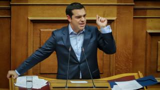 Τσίπρας στη Βουλή: Αυτοί κερδίζουν από τη μείωση των ασφαλιστικών εισφορών