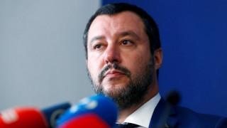 Σαλβίνι κατά Μοσκοβισί: Η Ιταλία δεν είναι έθνος πωλητών χαλιών ή ζητιάνων