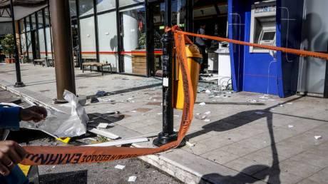 Ηλιούπολη: Ανατίναξαν ATM και «γκρέμισαν» το κατάστημα - Γέμισε ο δρόμος χαρτονομίσματα!