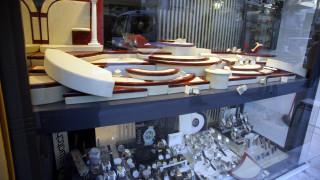 Καρέ - καρέ η κλοπή σε κοσμηματοπωλείο μέρα μεσημέρι στο Ηράκλειο Κρήτης