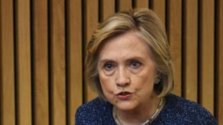 Χίλαρι Κλίντον: Η Ευρώπη να ελέγξει το μεταναστευτικό για να σταματήσει τους δεξιούς λαϊκιστές