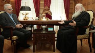 Συνάντηση Ιερώνυμου – Γαβρόγλου: Καμία αλλαγή στο εργασιακό και μισθολογικό καθεστώς των ιερέων
