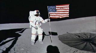 Ο επικεφαλής της Roscosmos θα... ελέγξει αν οι Αμερικανοί πράγματι πάτησαν στη Σελήνη