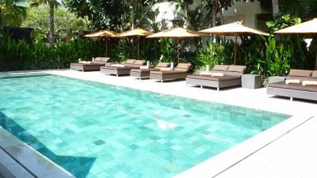Τουριστικό θέρετρο στο Μπαλί απαγόρευσε τα κινητά στην πισίνα