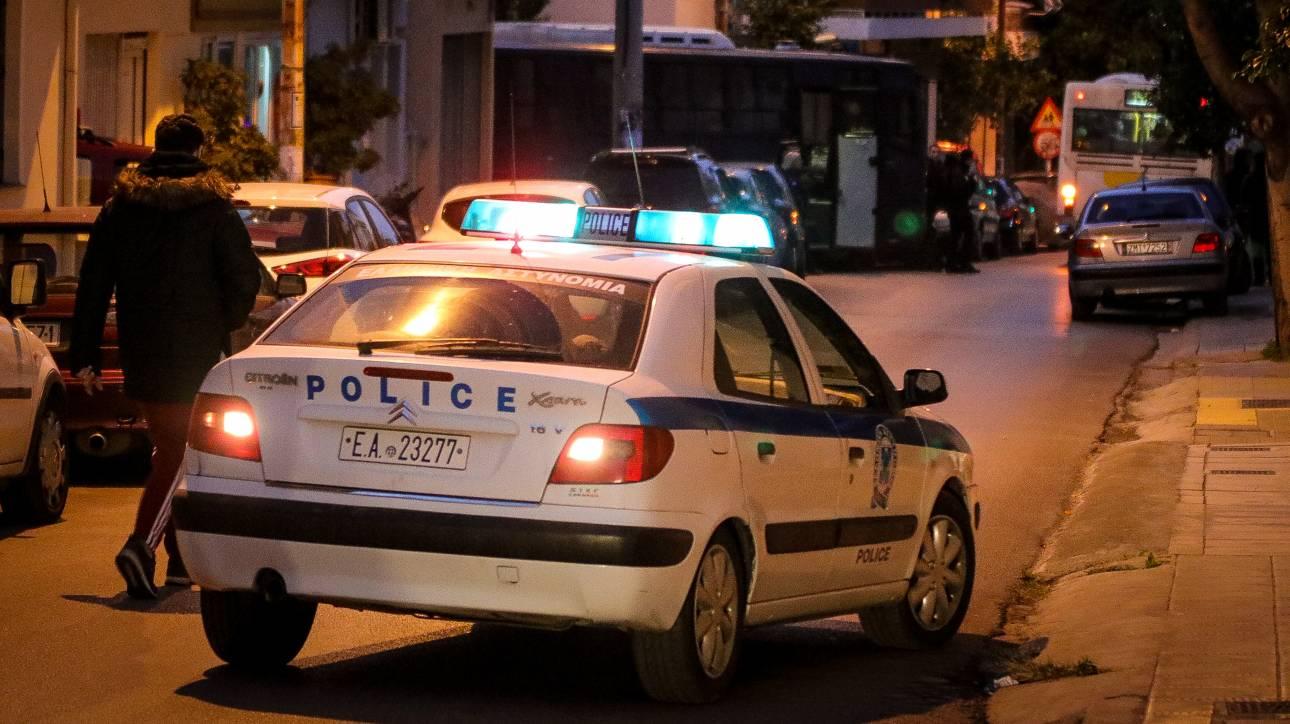 Προσποιήθηκαν τους αστυνομικούς και λήστεψαν 27χρονο στο Μοσχάτο