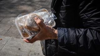 Συμπλοκή μεταξύ αλλοδαπών κατά τη διάρκεια συσσιτίου στη Θεσσαλονίκη