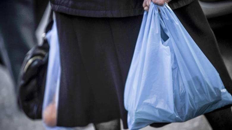 Έρχεται αύξηση στην τιμή της πλαστικής σακούλας