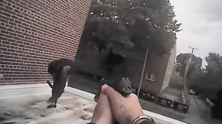 Σκληρό βίντεο: Αστυνομικοί πυροβολούν μαύρο ο οποίος κρατούσε... κινητό