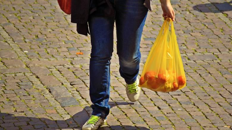 Πλαστική σακούλα: Πότε θα αυξηθεί η τιμή της