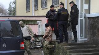 Κριμαία: Δημόσια διαπόμπευση για τους Ουκρανούς ναυτικούς - Δικαστήριο διέταξε δίμηνη κράτησή τους
