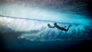 Η καλύτερη δουλειά του κόσμου: Ο φωτογράφος που γυρίζει τον κόσμο και ζει επικίνδυνα