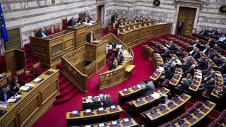 «Άγρια» κόντρα στη Βουλή για τις καταλήψεις στα σχολεία ενάντια στη συμφωνία των Πρεσπών