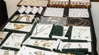 Κύκλωμα λαθρεμπορίας χρυσού: Η «ζάχαρη», τα «κορίτσια» και τα 400.000 ευρώ την ημέρα τζίρος