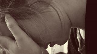 Οργή μητέρας στη Βρετανία: Δόθηκε δυνατότητα στο βιαστή της να βλέπει το παιδί τους