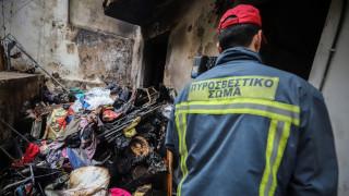 Φωτιά σε διαμέρισμα στο Μαρούσι: Απεγκλωβίστηκαν τρία άτομα