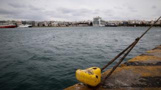 Καιρός: Απαγορευτικό απόπλου λόγω των θυελλωδών ανέμων - Σε ποια λιμάνια είναι δεμένα τα πλοία